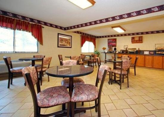 Comfort Inn West: Restaurant
