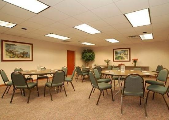 ‪‪Comfort Inn & Suites‬: Meeting Room‬