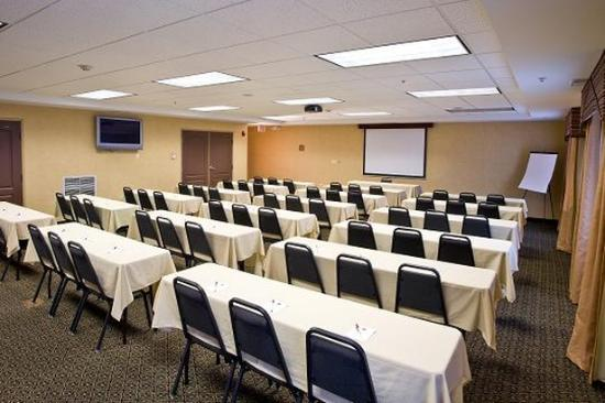 Comfort Suites Elgin: The Grove Meeting Room