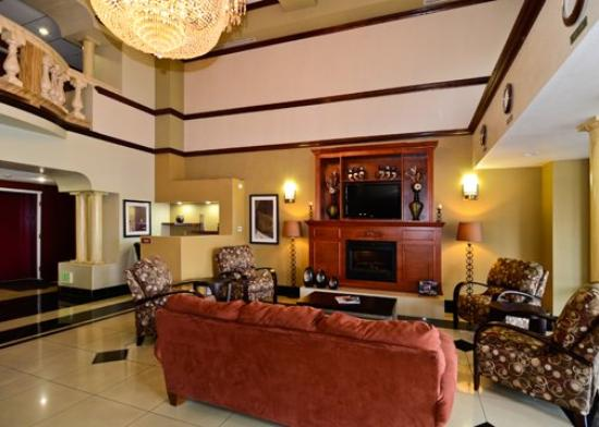 Comfort Suites Bakersfield: Other Hotel Services/Amenities