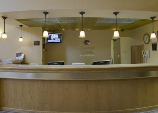 Comfort Suites Portland Airport: ORComfort Suites Front Counter