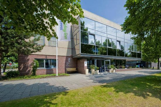 Holiday Inn Express Amsterdam - South: Welcome to the hotel at Amsterdam - South
