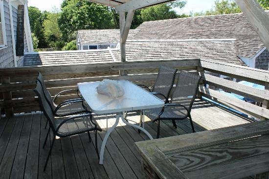 Ship's Knees Inn: Private deck
