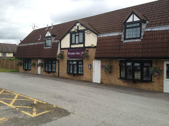 Premier Inn Nottingham North West - Hucknall: Hotel Front