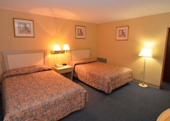 Econo Lodge Hazleton: Double Double Room View