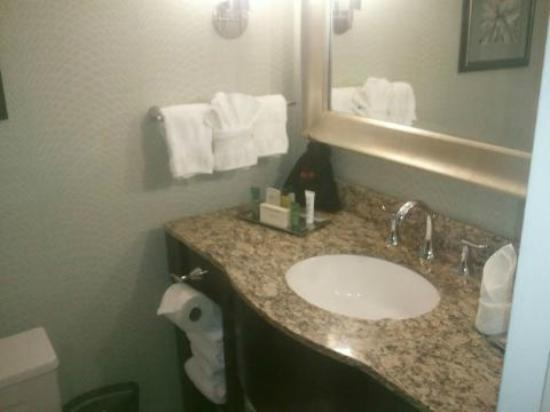Hilton Springfield: Nice bathrooms