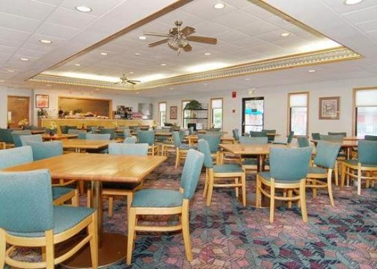 Econo Lodge Inn & Suites: Restaurant