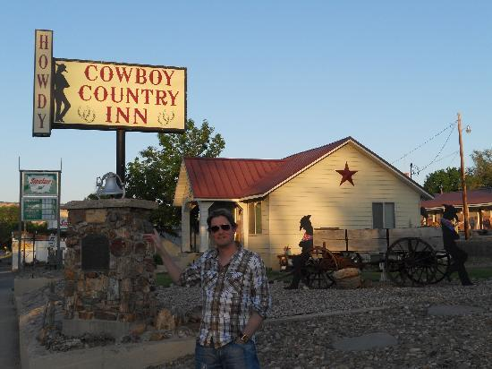 ‪Cowboy Country Inn‬