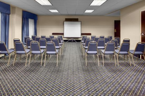 Hampton Inn Perimeter Center: Meeting room - 675 square feet