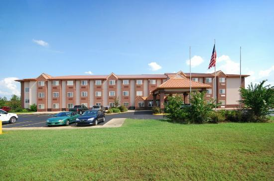 Photo of Econo Lodge Inn & Suites Natchitoches