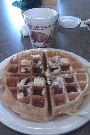 Comfort Suites Airport: Breakfast Waffel-