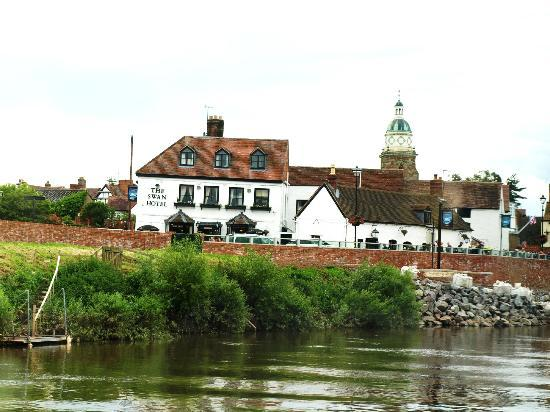Swan Hotel: A view from a boat...