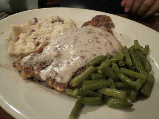 Country Inn & Suites By Carlson, Portland Airport: Chicken fried steak
