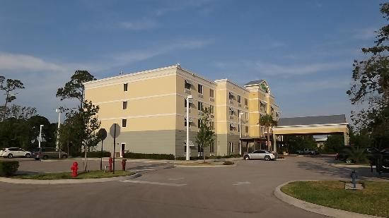 Holiday Inn Express Hotel & Suites Palm Bay: Hotel