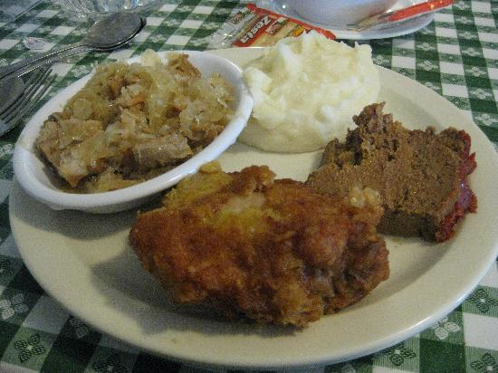 Smoketown, Pensylwania: Fried Chicken, meatloaf, mashed potatoes