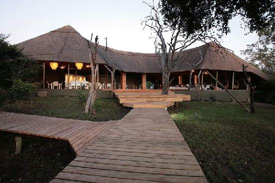 ‪Victoria Falls River Lodge - Zambezi Crescent‬
