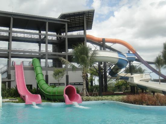 big slides - Picture of Black Mountain Water Park, Hua Hin - TripAdvisor