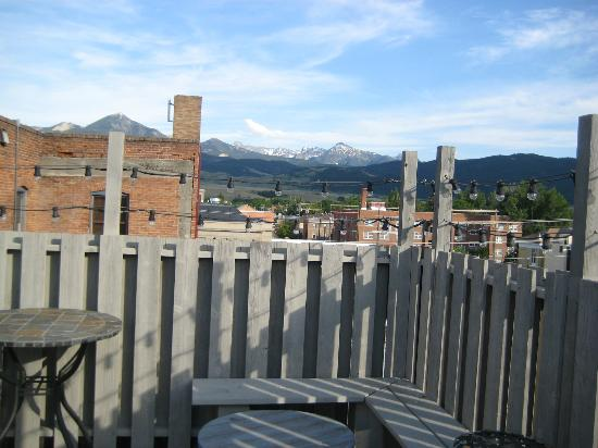Murray Hotel: View of mountains from rooftop deck