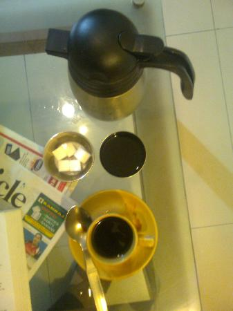 Nandhini Hotel - J.P.Nagar: try this black american coffee