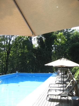Garden Gables Inn: Pool