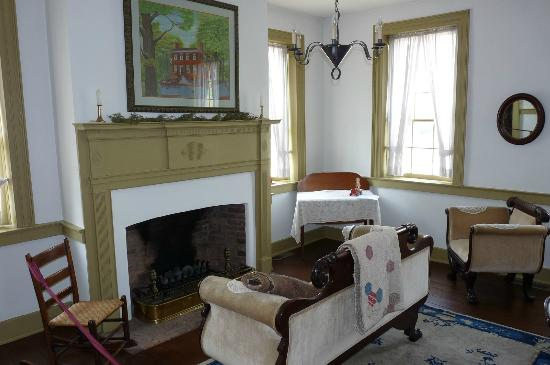 Schofield House: Parlor