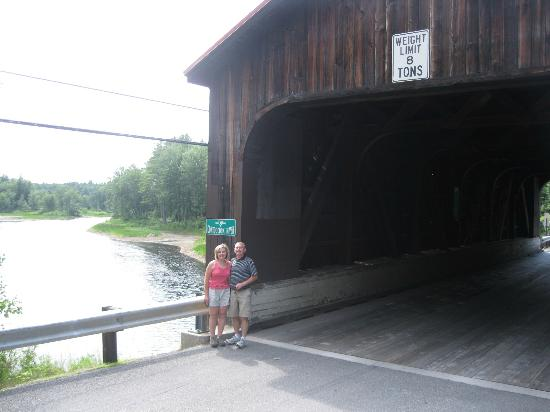 Crotched Mountain Resort & Spa: Covered Bridge