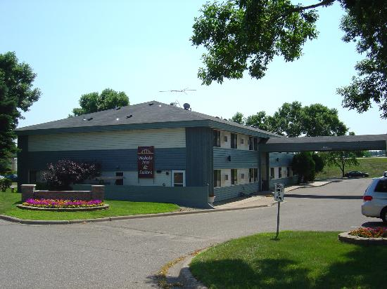 ‪Wakota Inn & Suites‬
