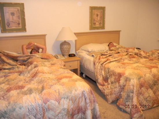One bedroom picture of still waters resort branson for 7 bedroom cabins in branson mo