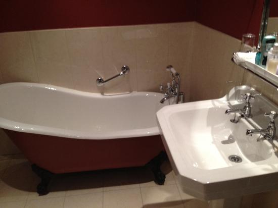 cleanest bath ever picture of cahernane house killarney
