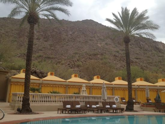 The Canyon Suites at The Phoenician: pool side