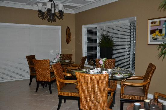 Lakelands Bed and Breakfast: .