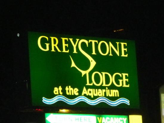 Greystone Lodge at the Aquarium: Front