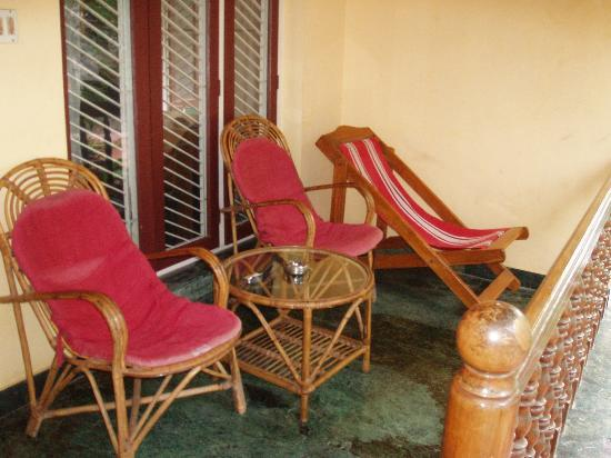 Green House Home Stay: Green house - lounge area