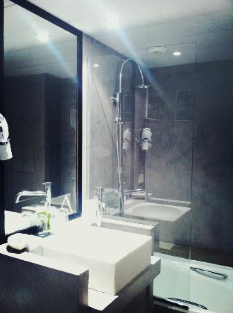 Hotel Pulitzer: bathroom
