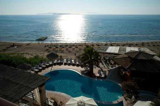 Delfino Blu Boutique Hotel: View from the room in the late afternoon