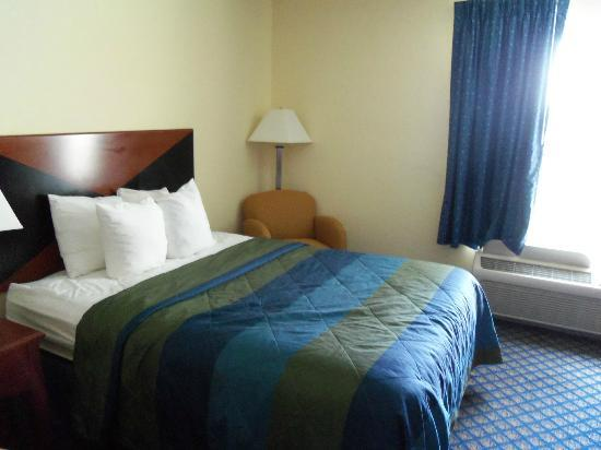 Sleep Inn & Suites: Double Bed room