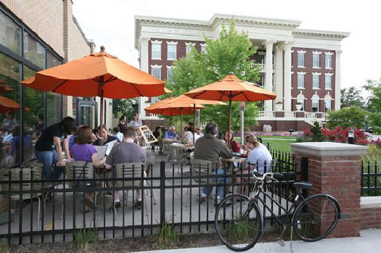 Grand Rapids, MI: Farm-to-table cuisine tastes even better outdoors!