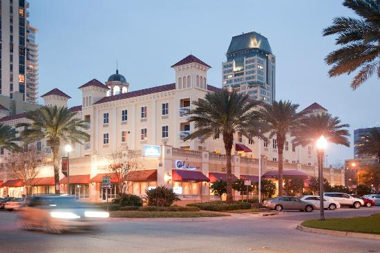 ‪Hampton Inn and Suites St. Petersburg Downtown‬