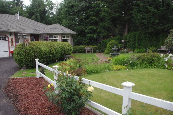 Photo of Wyndhaven Cottage Bed And Breakfast. Clearwater