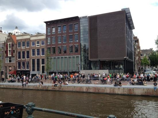 outside of anne franks house and the museum attached