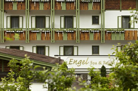 Wellnessresort & Hotel Engel: Aussenansicht