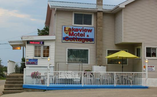 Lakeview Motel &a