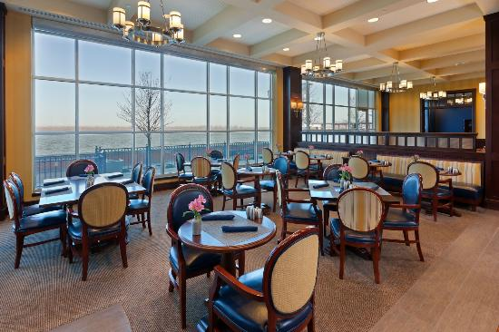 Sheraton Erie Bayfront Hotel: Restaurant