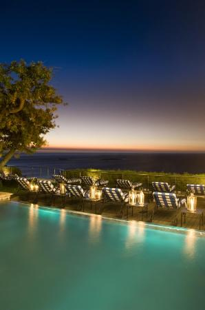The Twelve Apostles Hotel and Spa: Pool View