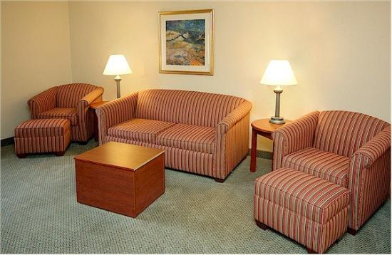 La Quinta Inn Indianapolis Airport Executive Drive: Suite