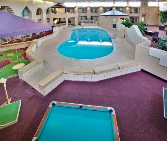 Holiday Inn Grand Island-Midtown: Our swimming pool is warm and inviting