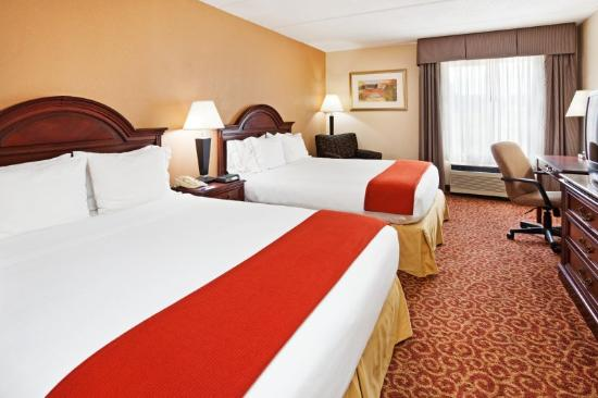 Holiday Inn Express Kings Mountain: Queen Bed Guest Room