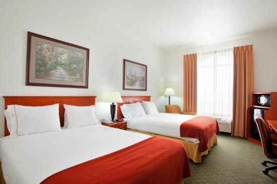 Holiday Inn Express Hotel & Suites Rockford - Loves Park: Queen Bed Guest Room