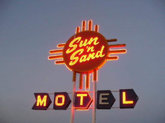 Sun 'n Sand Motel