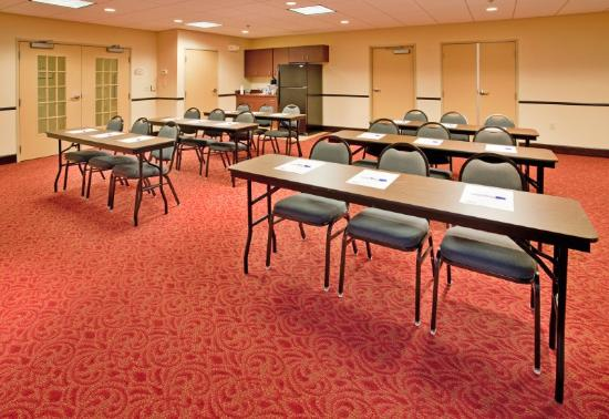 Holiday Inn Express Hotel & Suites Andover/East Wichita: Meeting Room